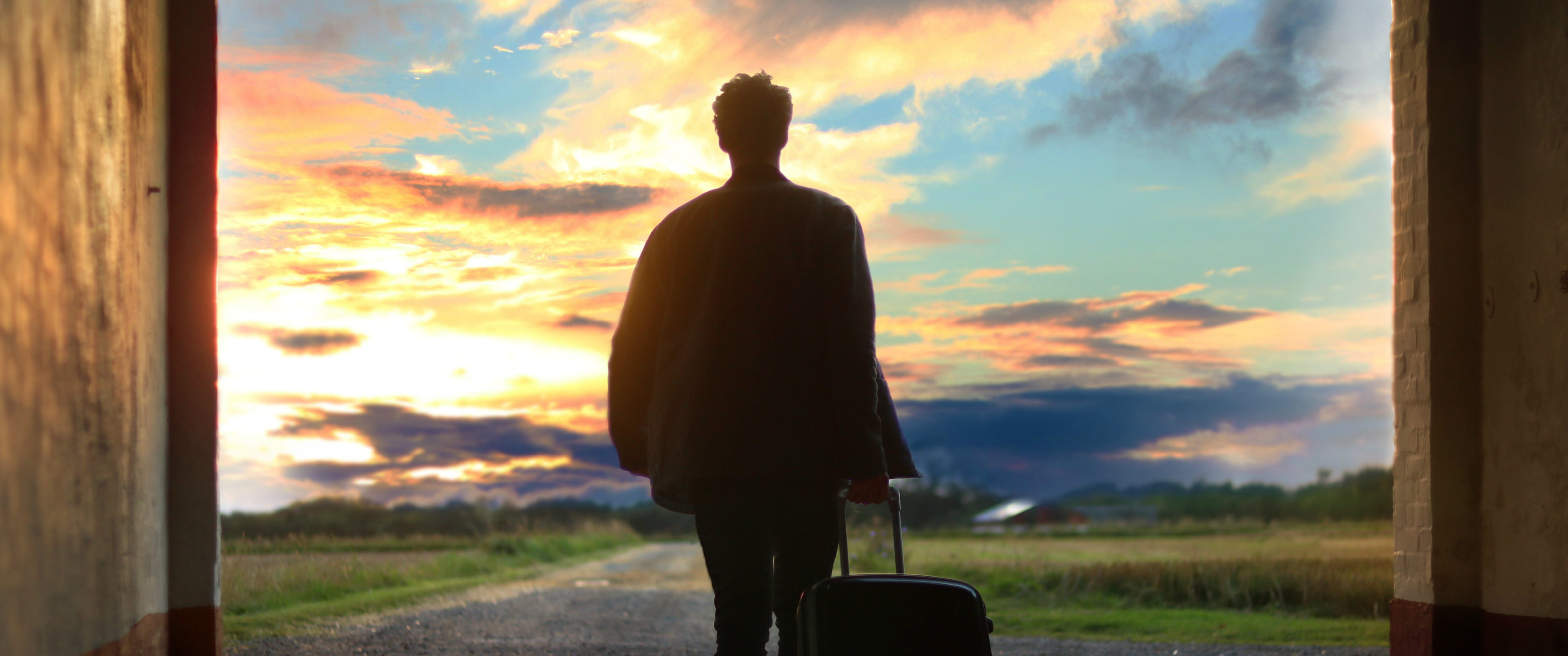 The Pros & Cons Of Long-Term Travel No One Ever Tells You About