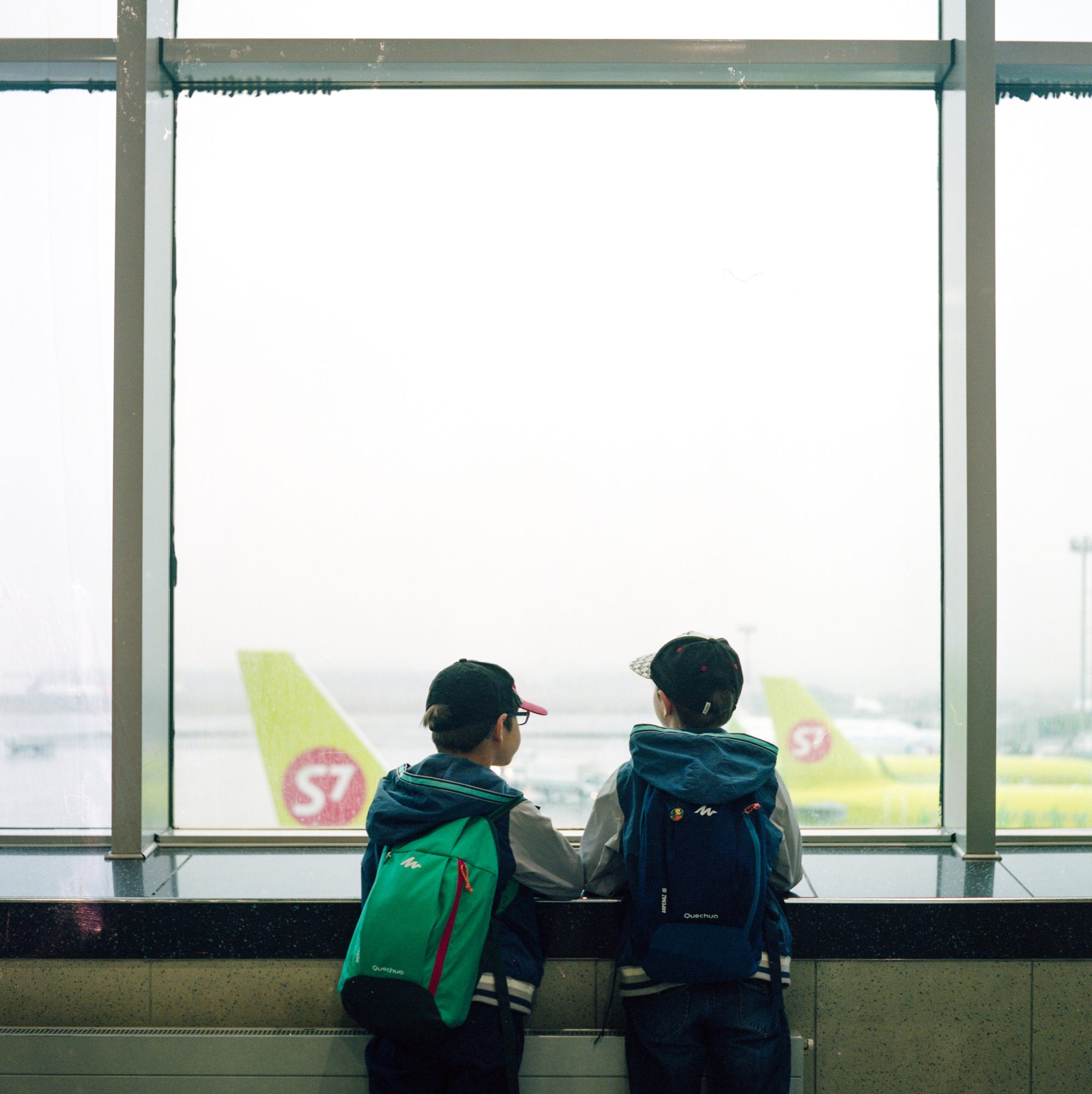 Long Layover Tips: Make Friends