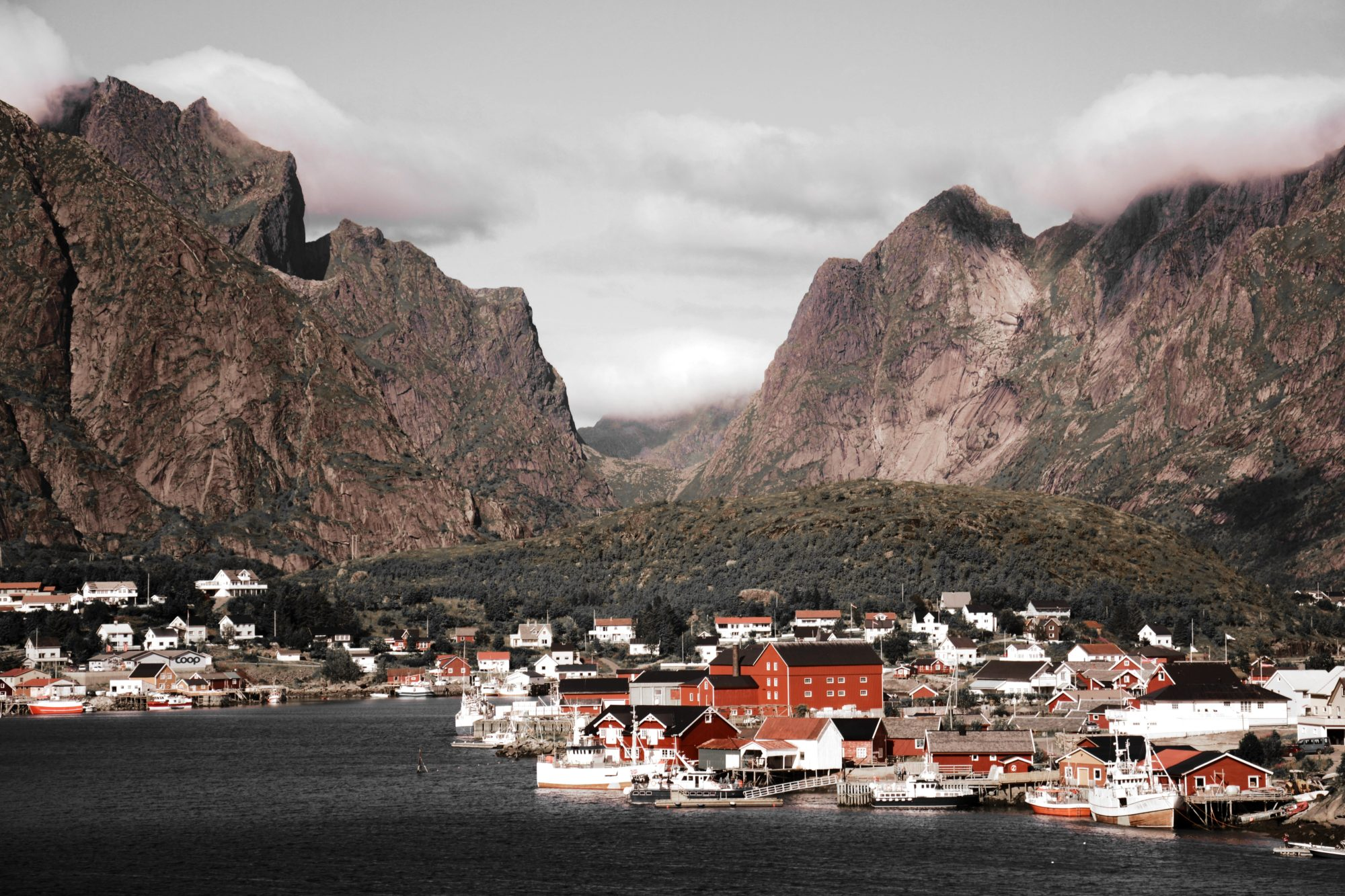 Reine, Best Mountain Towns In Europe