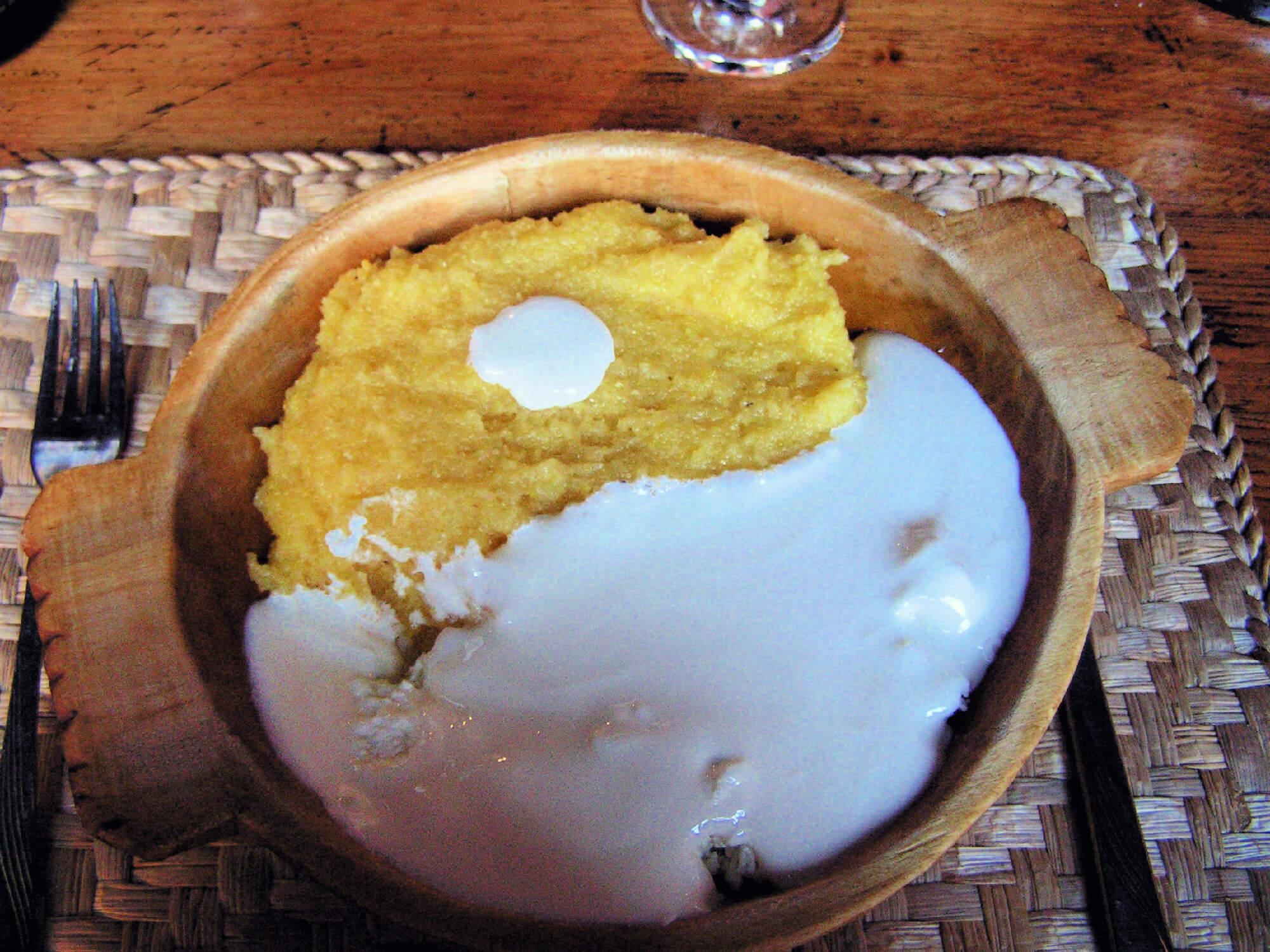 Best Balkan Food Mămăligă